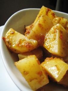 Insalata di patate con pomodori secchi