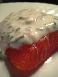 Salmone marinato con salsa allo yogurt di Cracco