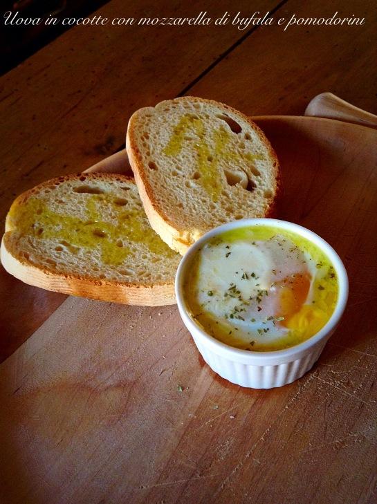 Uova in cocotte con mozzarella di bufala e pomodorini 2