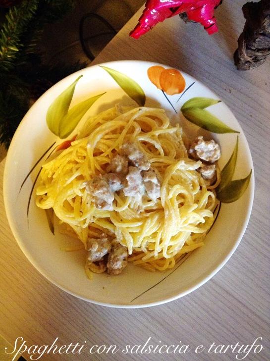 Spaghetti con salsiccia e tartufo